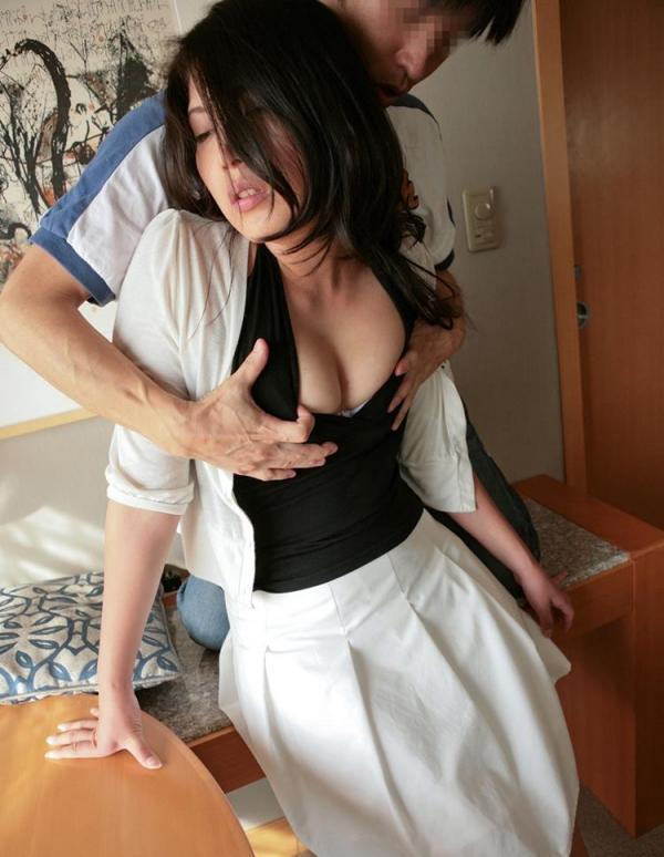熟女エロ画像 バスト90cm以上の巨乳マダム80枚の022枚目