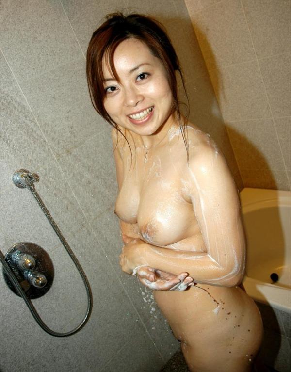熟女エロ画像 バスト90cm以上の巨乳マダム80枚の2
