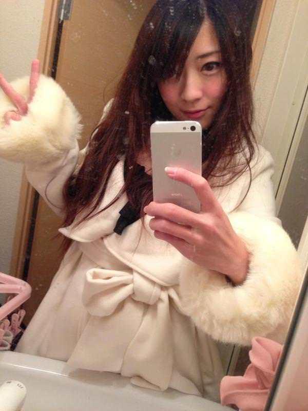 AV女優が撮影現場でバスローブを着てる画像40枚の10枚目