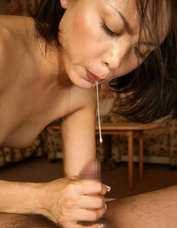 人妻セックス画像 小さなオッパイの奥様達の卑猥な姿70枚の68枚目
