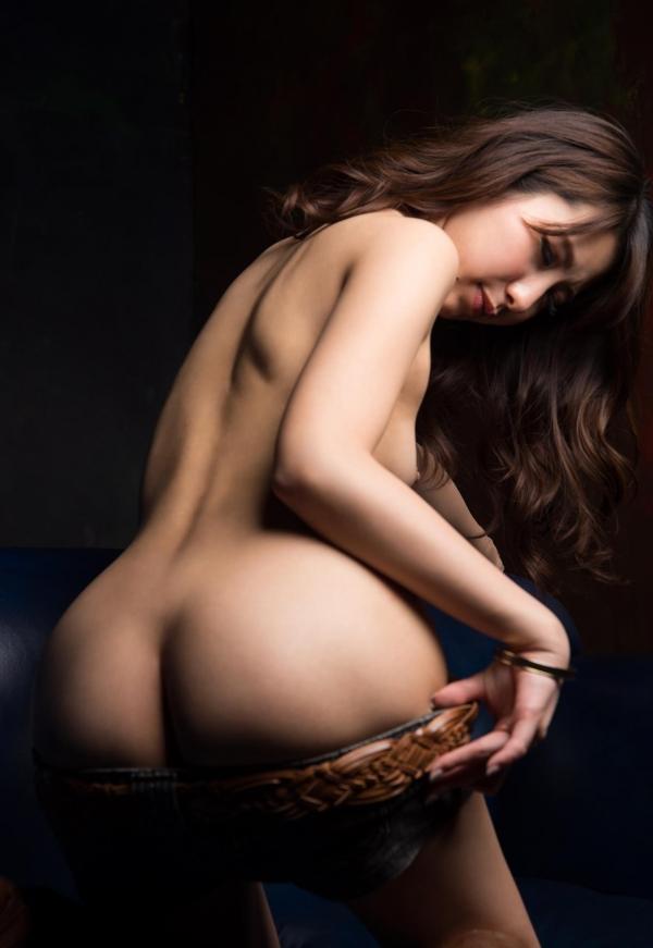 美尻でスタイル抜群なAV女優のヌード画像100枚の100枚目