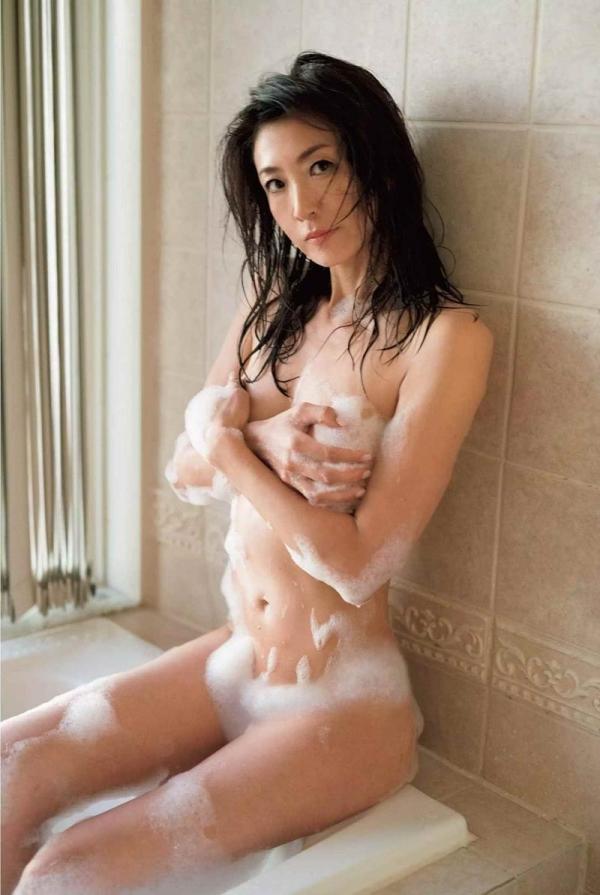 美熟女ヌード画像 妖艶な色香に包まれた美貌60枚の040枚目
