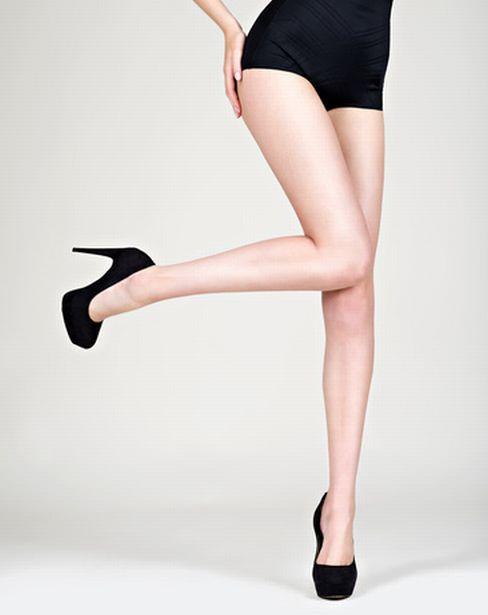 ハイヒールを履いた艶っぽい美女のヌード画像100枚の101枚目
