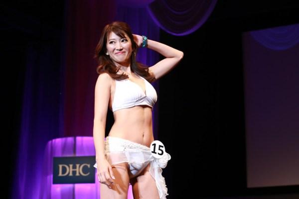 美魔女コンテストエロ画像 細身な美熟女の水着姿55枚の033枚目