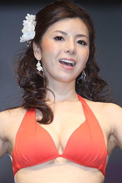 美魔女コンテストエロ画像 細身な美熟女の水着姿55枚の015枚目