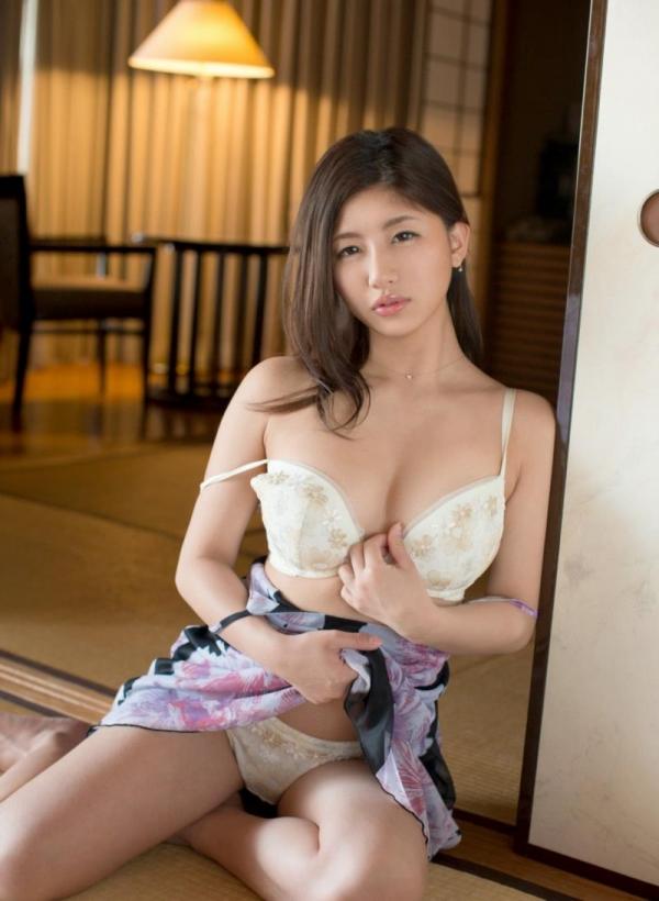 ブラジャー画像 欲情を誘う美女の色っぽい下着姿80枚の71枚目