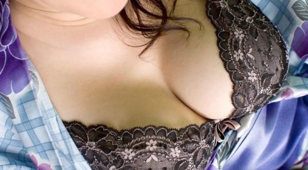 ブラジャー画像 欲情を誘う美女の色っぽい下着姿80枚の77枚目
