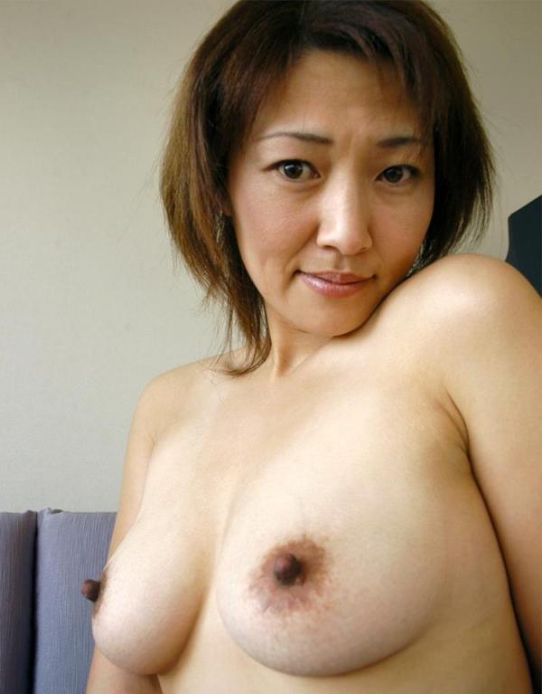 熟女エロ画像 ヒップ90cm以上のデカ尻な奥様70枚の005枚目
