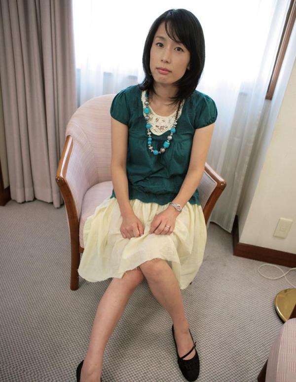 熟女エロ画像 ヒップ90cm以上のデカ尻な奥様70枚の012枚目