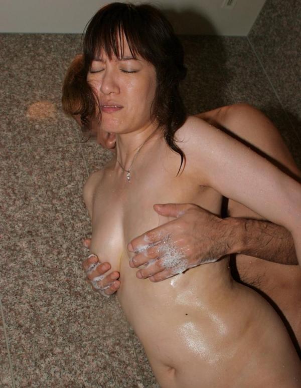 熟女エロ画像 ヒップ90cm以上のデカ尻な奥様70枚の059枚目