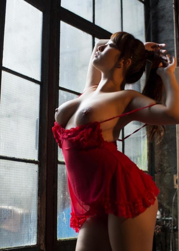 キャミソールを着た色っぽい美女達のエロ画像80枚の09枚目