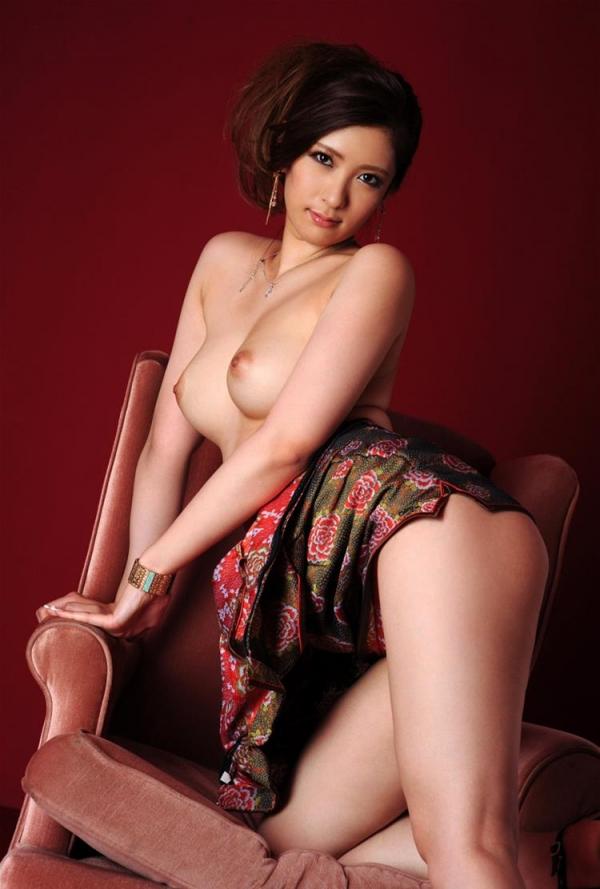 チャイナドレスを着た美女がエッチな事してるエロ画像40枚のb012枚目