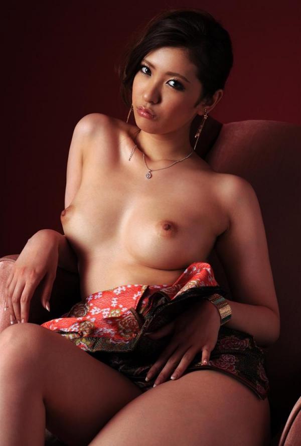 チャイナドレスを着た美女がエッチな事してるエロ画像40枚のb013枚目