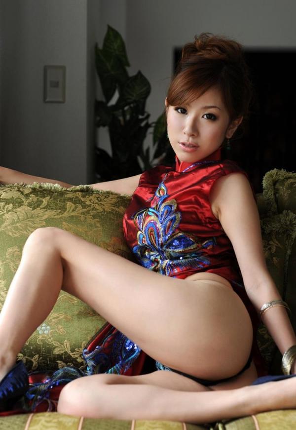 チャイナドレスを着た美女がエッチな事してるエロ画像40枚のc008枚目
