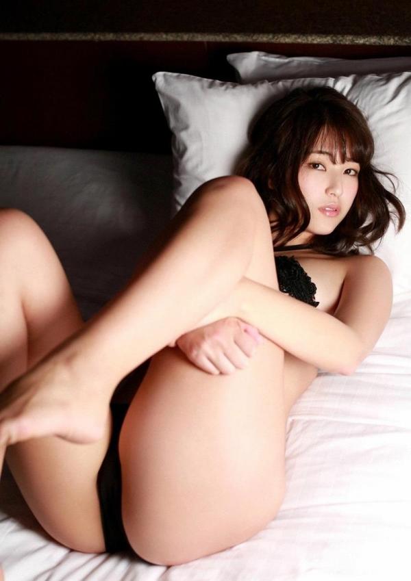 過激なポーズで挑発するAV女優のヌード画像76枚の035枚目