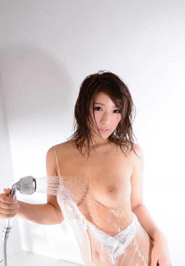 三上悠亜ら豪華AV女優9人とチンポ211本の大乱交の画像の09枚目