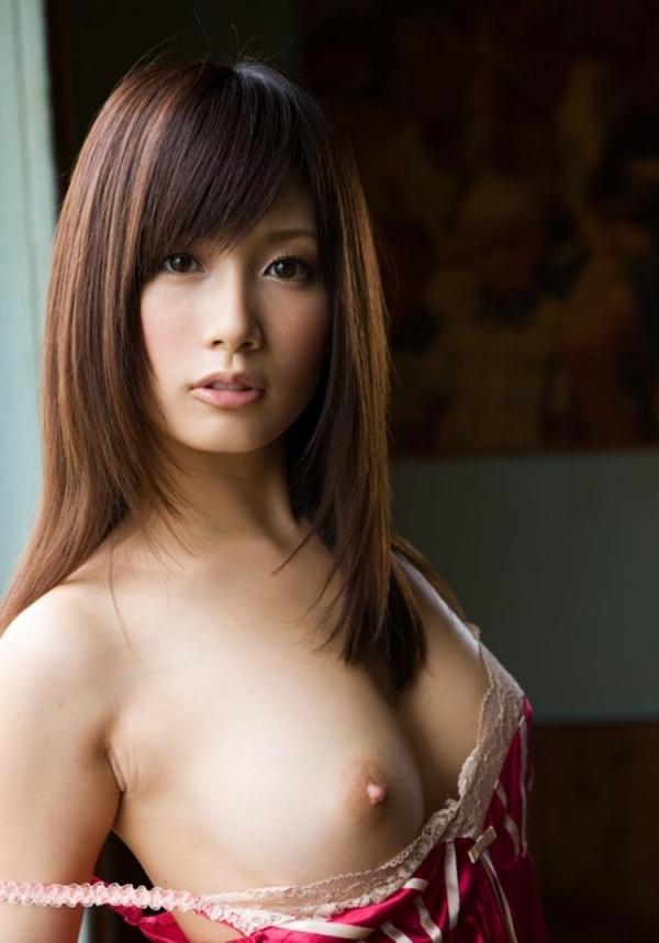 三上悠亜ら豪華AV女優9人とチンポ211本の大乱交の画像の11枚目