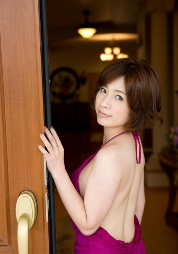 三上悠亜ら豪華AV女優9人とチンポ211本の大乱交の画像の19枚目