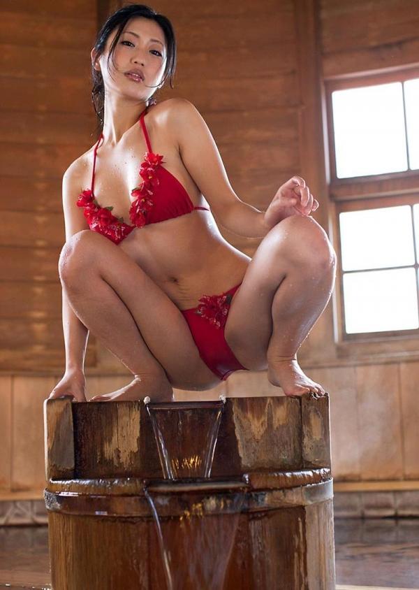 壇蜜 まんスジぽってり湯けむりの中の妖艶なエロ画像50枚の015枚目
