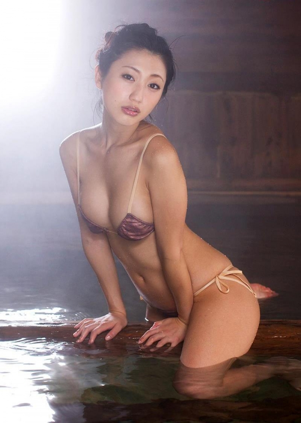 壇蜜 まんスジぽってり湯けむりの中の妖艶なエロ画像50枚の036枚目