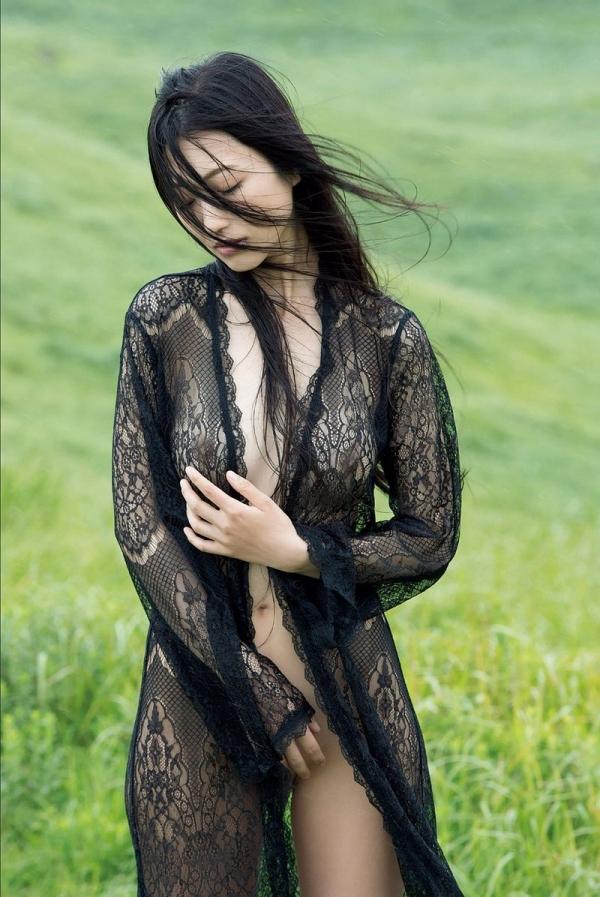 壇蜜ヌード画像 妖艶なアラフォー熟女の美裸身40枚の009枚目