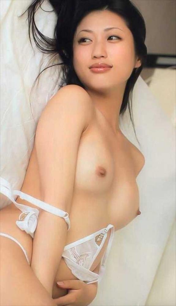 壇蜜ヌード画像 妖艶なアラフォー熟女の美裸身40枚の035枚目