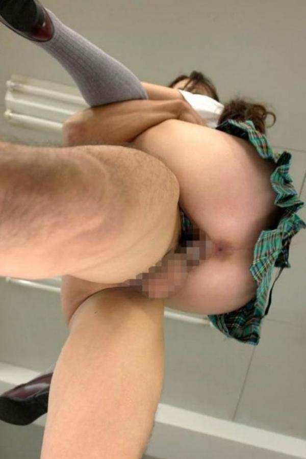 駅弁ファック画像 深い挿入感のセックス体位50枚の35枚目