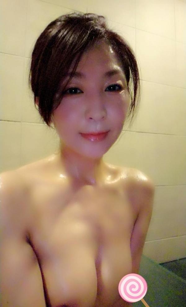 艶堂しほり 四十路のセクシー熟女エロ画像42枚のa12枚目