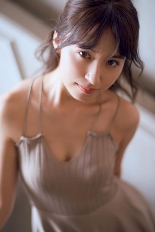 乃木坂46 衛藤美彩 デカパイ水着セミヌード画像