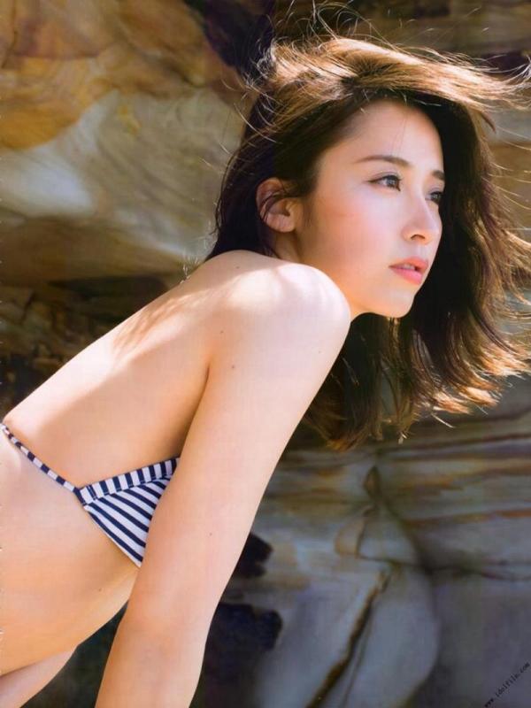 乃木坂46 衛藤美彩 デカパイ水着セミヌード画像60枚の38番