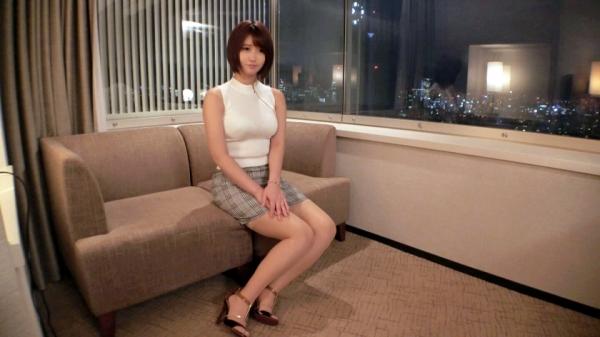 深田結梨 巨乳 美脚 美尻のナイスボディ美女エロ画像64枚のa004枚目