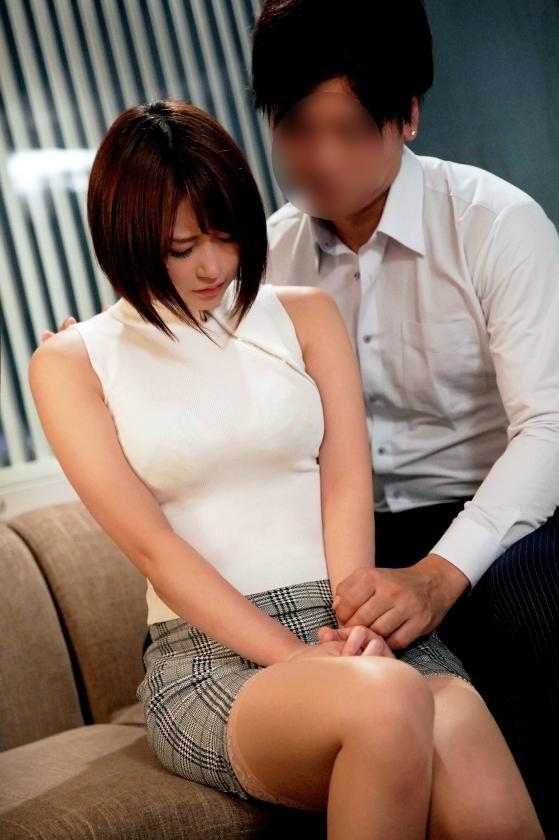 深田結梨 巨乳 美脚 美尻のナイスボディ美女エロ画像64枚のa005枚目