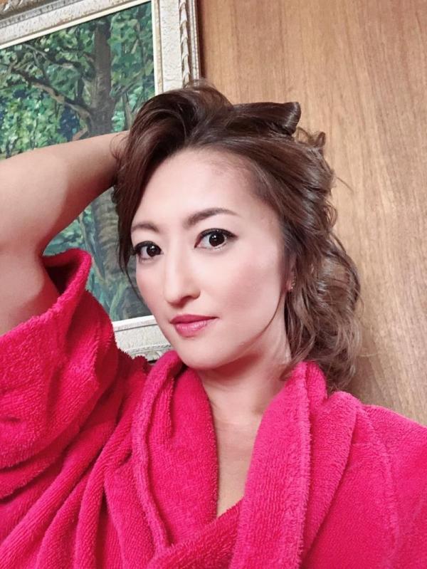 美巨乳の美熟女 吹石れな(玲奈)不倫妻の情事 エロ画像36枚のb002枚目