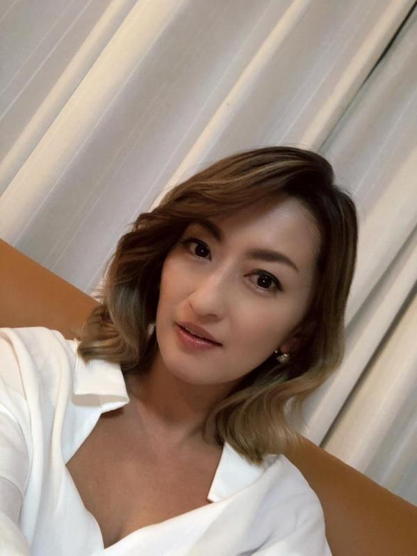 美巨乳の美熟女 吹石れな(玲奈)不倫妻の情事 エロ画像36枚のb008枚目
