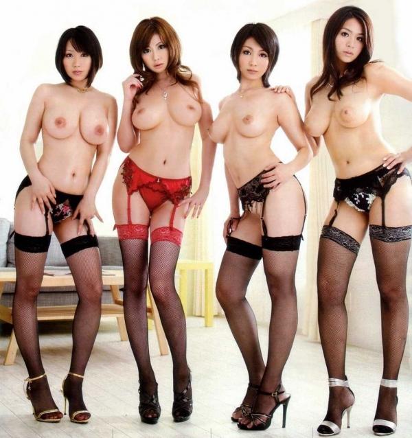 複数ヌード画像 こんな裸の美女達に囲まれたい50枚の02枚目