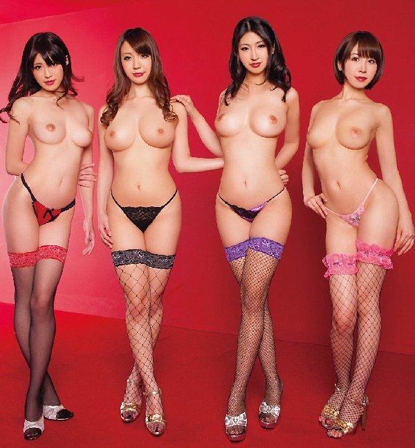複数ヌード画像 こんな裸の美女達に囲まれたい50枚の14枚目