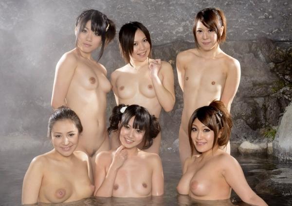 複数ヌード画像 こんな裸の美女達に囲まれたい50枚の29枚目