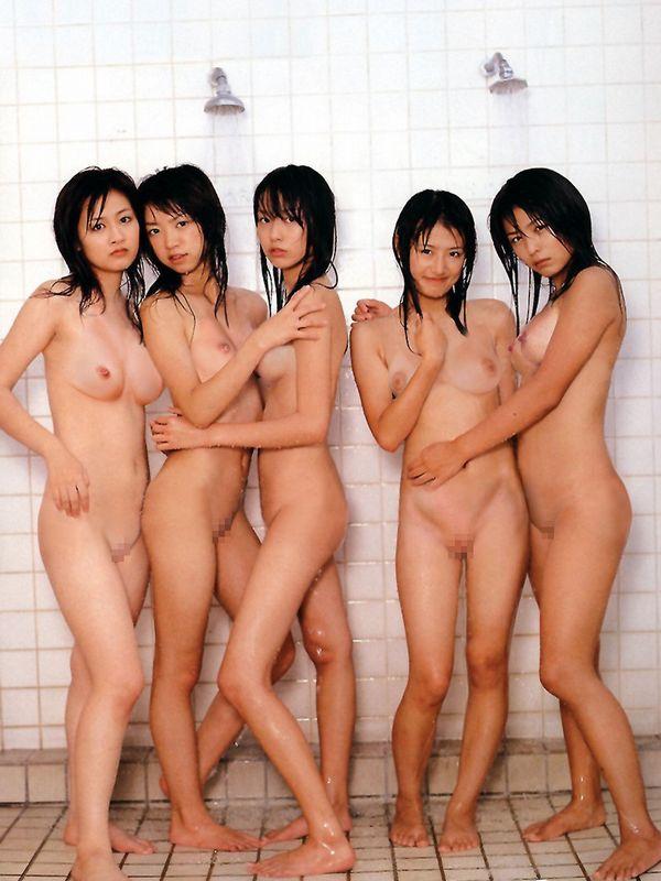 複数ヌード画像 こんな裸の美女達に囲まれたい50枚の41枚目