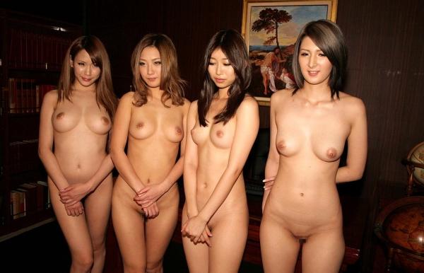 複数ヌード画像 こんな裸の美女達に囲まれたい50枚の47枚目