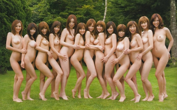複数ヌード画像 こんな裸の美女達に囲まれたい50枚の1