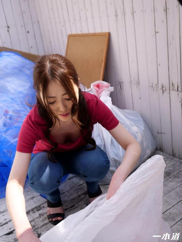 パイパン美熟女 古瀬玲 朝ゴミ出しするノーブラ奥さんエロ画像43枚のa05枚目