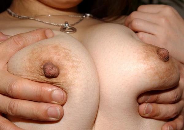 大きなオッパイの奥さん Gカップ巨乳の人妻エロ画像60枚の25枚目