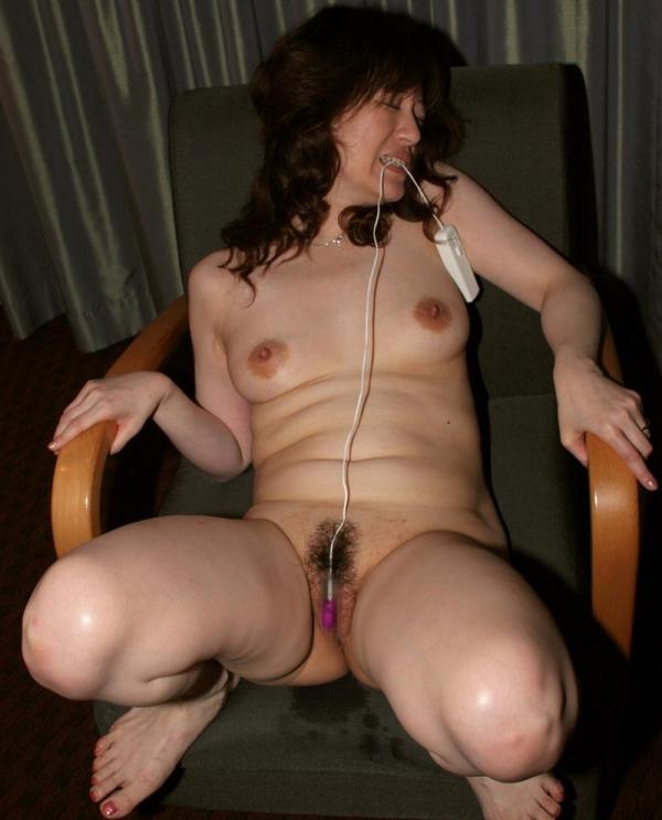 お尻の大きな熟女画像 ヒップ90cm以上のエロ尻奥様66枚の35枚目