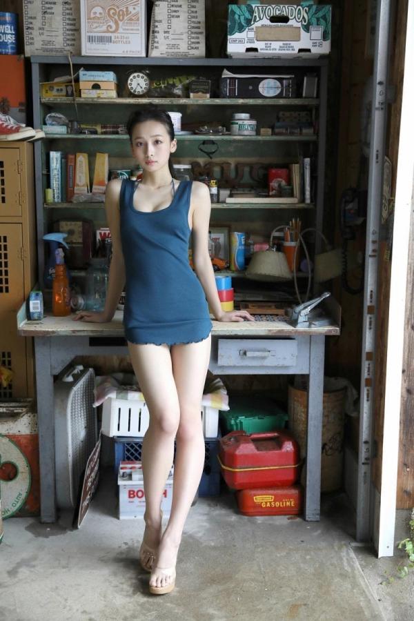 華村あすか 麗しの水着画像 10代の曲線美100枚の004枚目