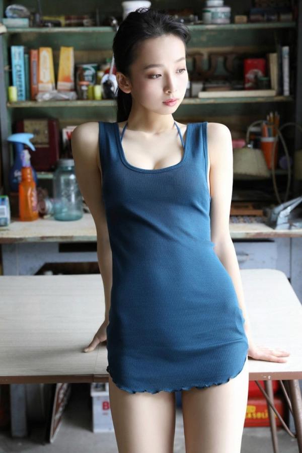 華村あすか 麗しの水着画像 10代の曲線美100枚の010枚目
