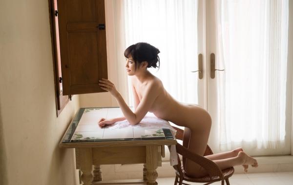 橋本ありな 9頭身の美少女ヌード画像130枚の060枚目