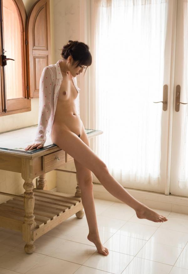 橋本ありな 9頭身の美少女ヌード画像130枚の062枚目