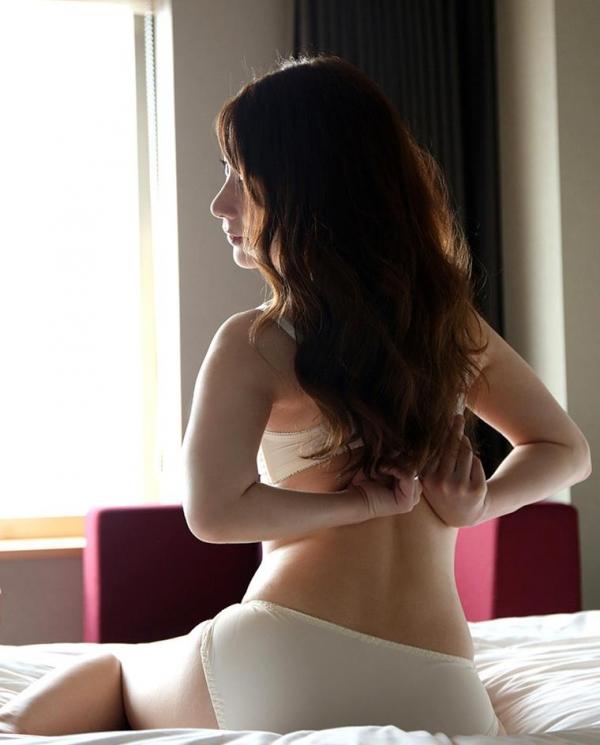 麗しく美人な人妻 尾崎彩香(橋本れいか)エロ画像62枚の2