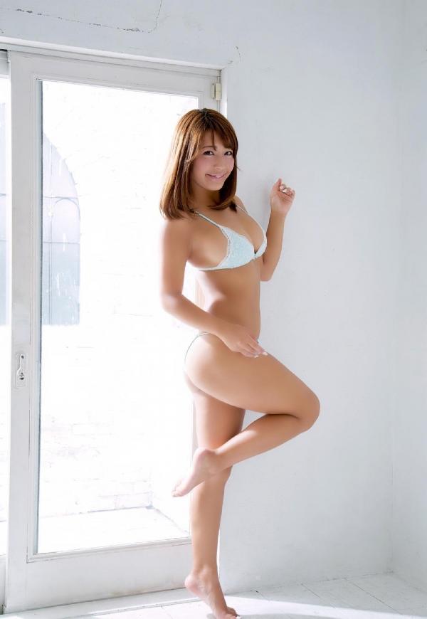 橋本梨菜(はしもとりな)巨乳で黒肌のグラビアアイドル水着画像100枚の019枚目