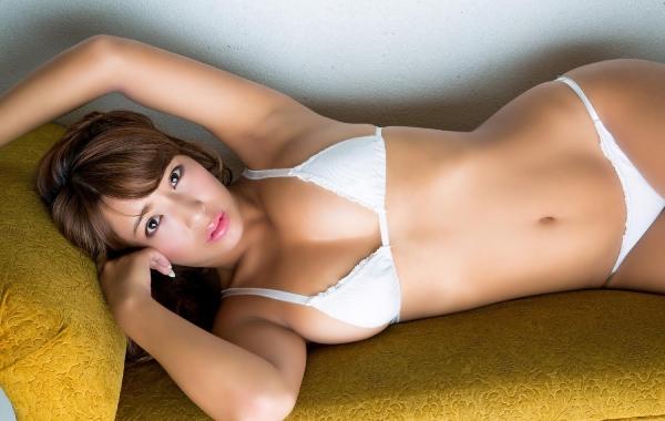 橋本梨菜(はしもとりな)巨乳で黒肌のグラビアアイドル水着画像100枚の074枚目